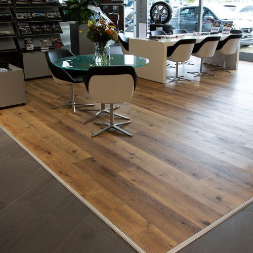 TFD Floortile Pro+45-2 pvc vloer project Wensink Mercedes Benz (7)