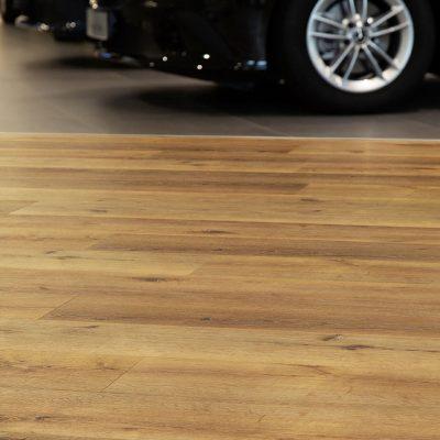 TFD Floortile Pro+45-2 pvc vloer project Wensink Mercedes Benz (8)